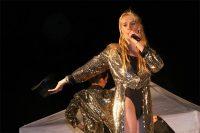 Sandra, chanteuse qui animera votre soirée spectacle ou votre séminaire d'entreprise