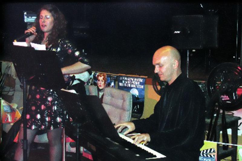 soirée cabaret piano-bar chant avec Sabine